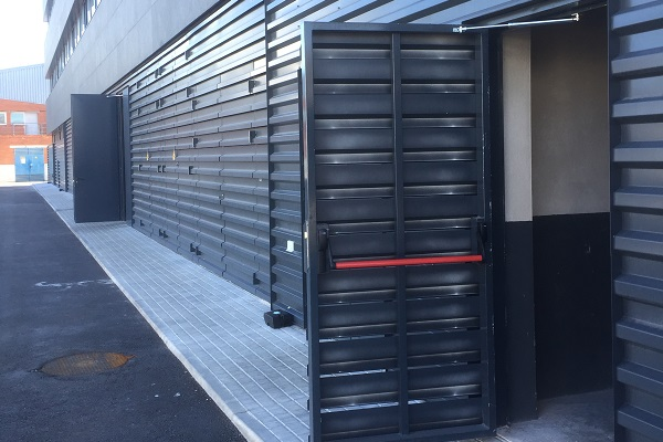 Product solutions to control doors