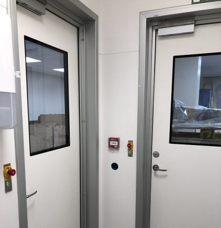Interlocksystem med 40 dörrar