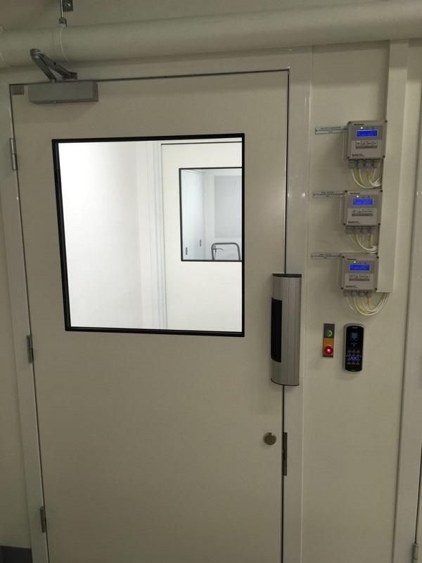 clean-room-door-handle-magnet